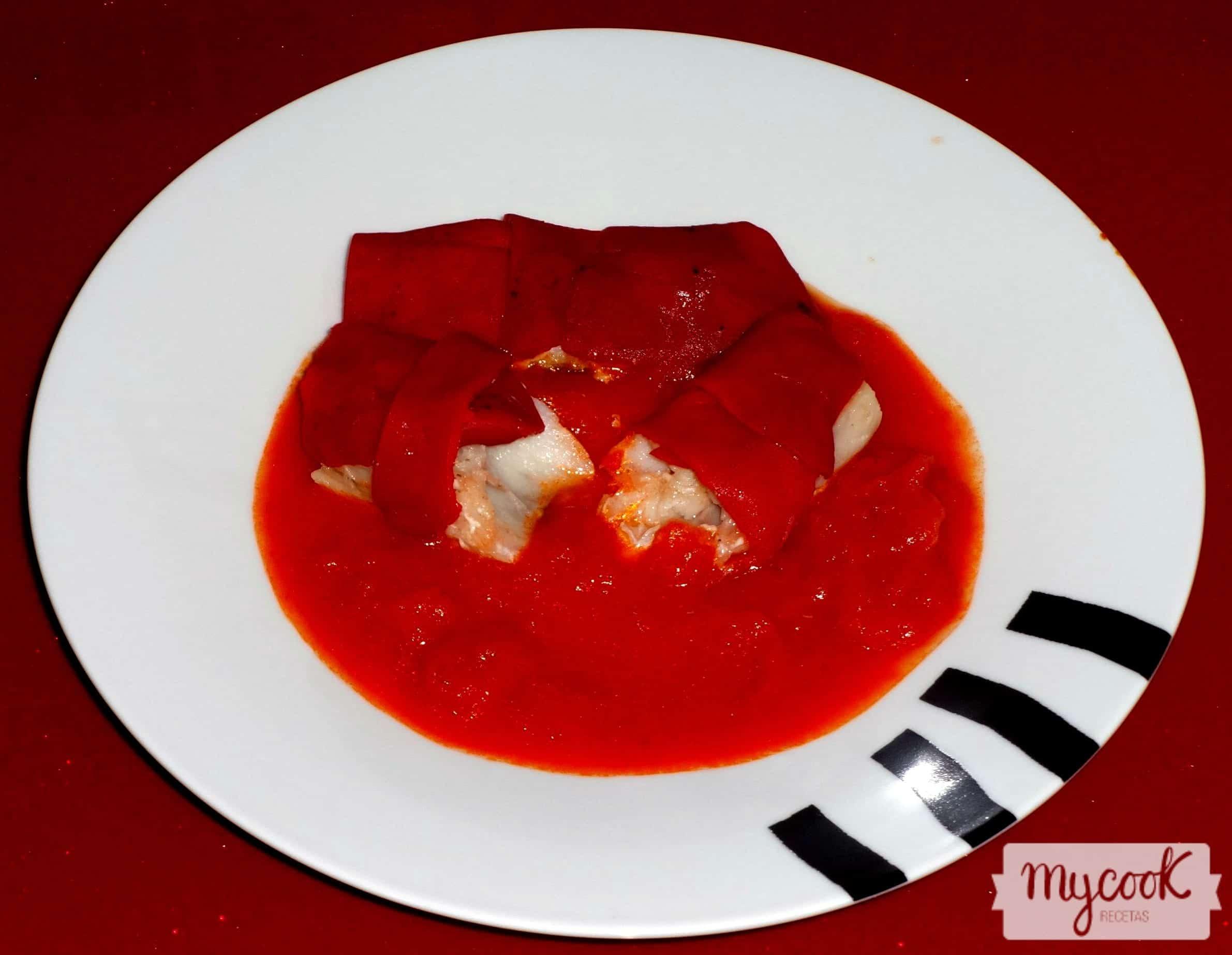 Bacalao con pimientos y tomate