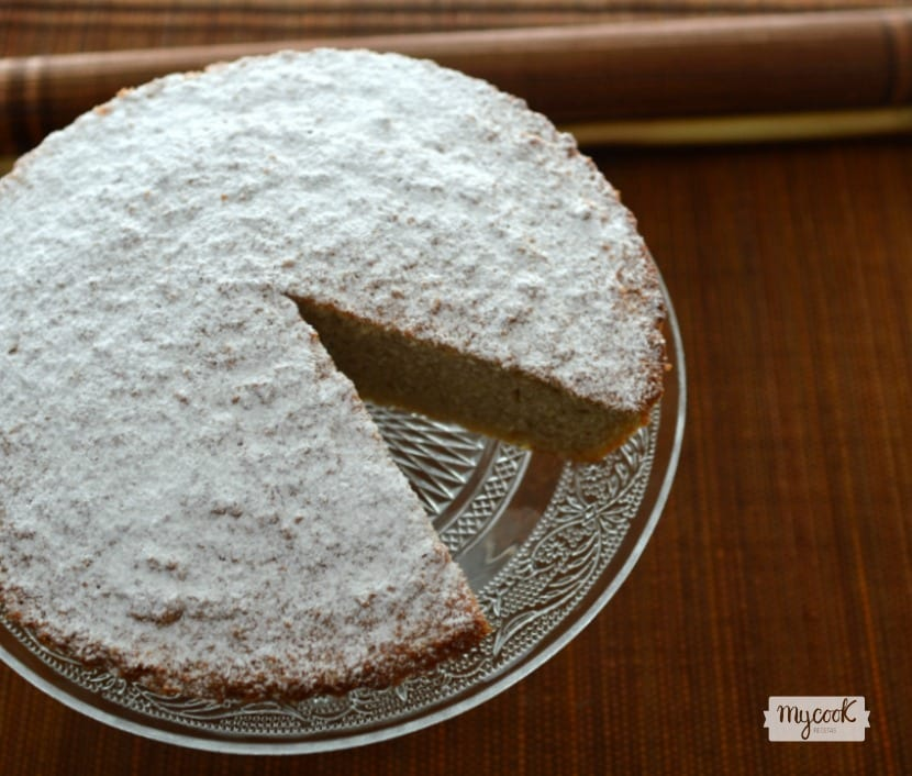 Tarta de Santiago de coco