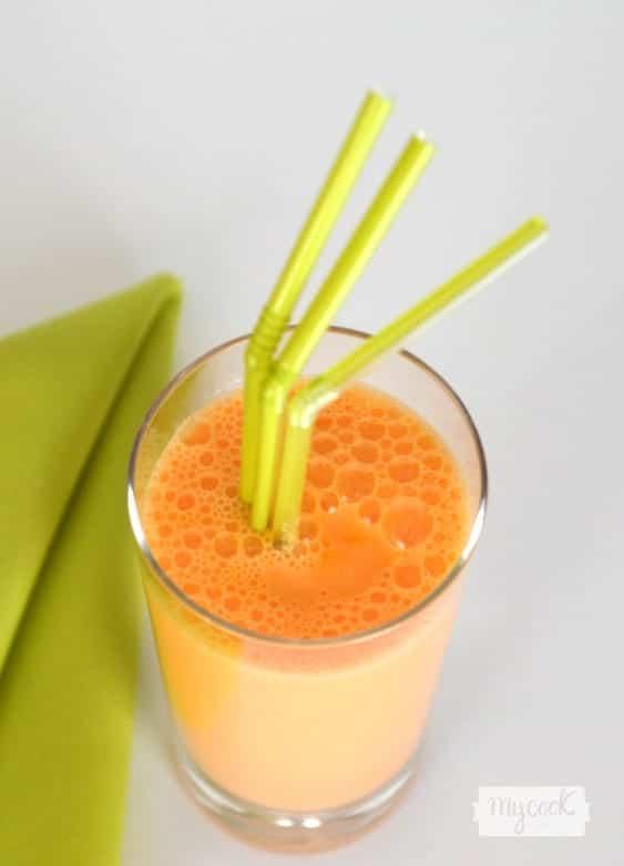 Smoothie de zanahoria, yogur y piña