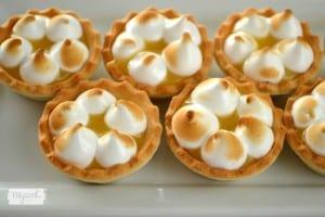 Tartitas de crema de limón y merengue