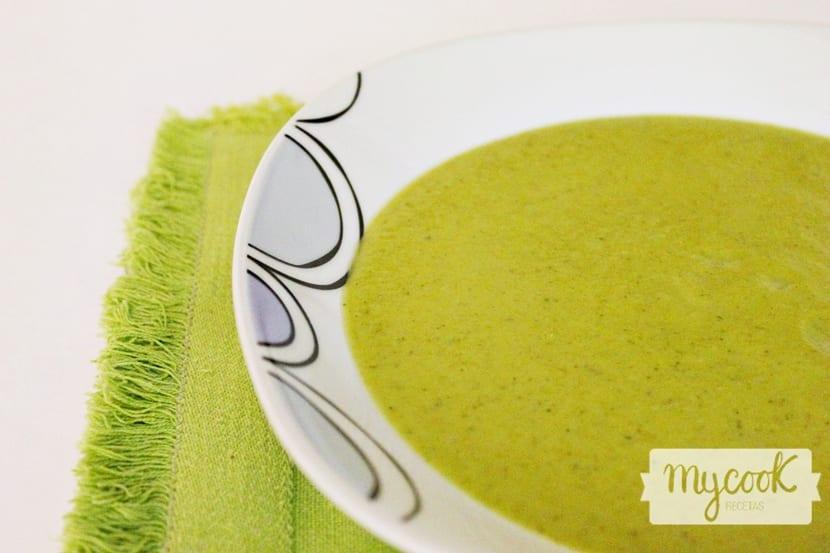 crema-verde-de-brocoli-y-calabacin