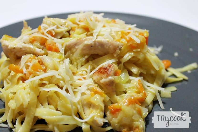 tallarines-con-verduras-y-pollo