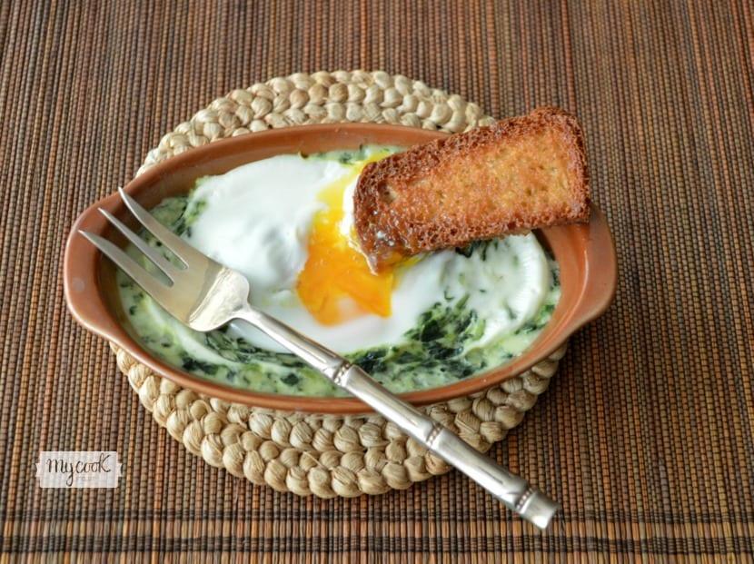 Crema de espinacas con huevo al micro