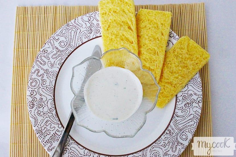paté-de-queso-con-rabanitos-y-cebollino