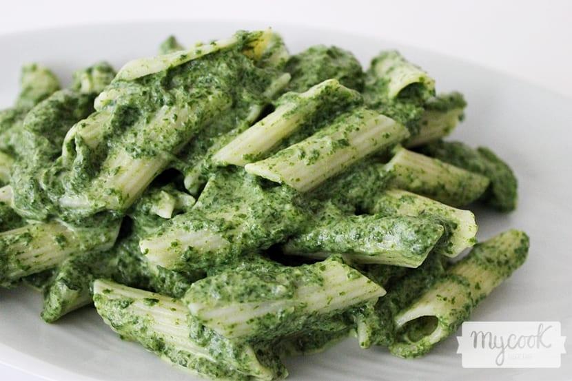 pasta-con-salsa-de-acelgas2