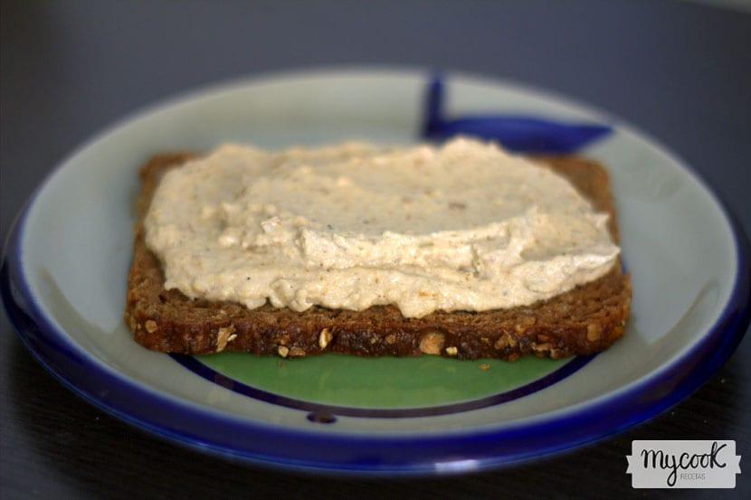 Paté de tofu, puerro y nueces