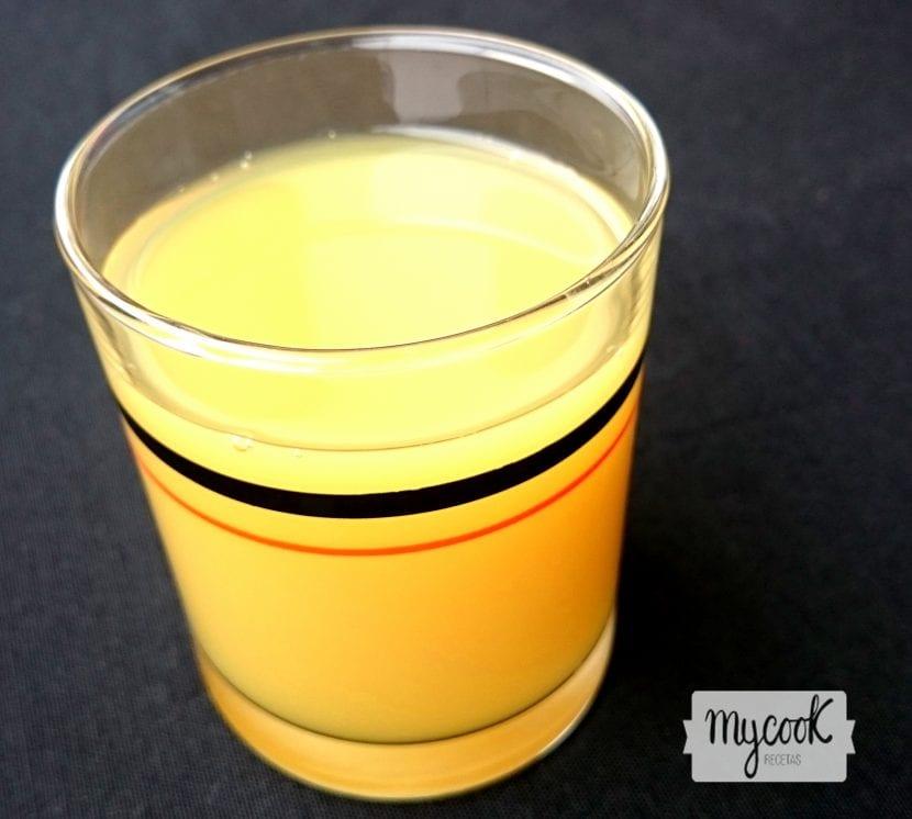 zumo-de-pera-manzana-y-valeriana