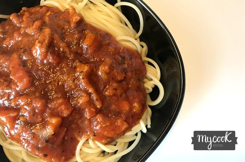 espaguetis boloñesa con bacon