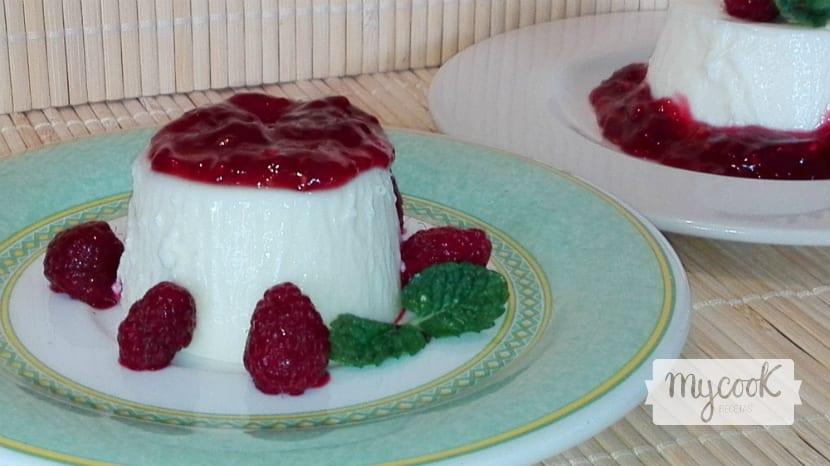 pannacota con mermelada de frambuesa1