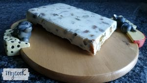 Turrón de Camembert con frutos secos