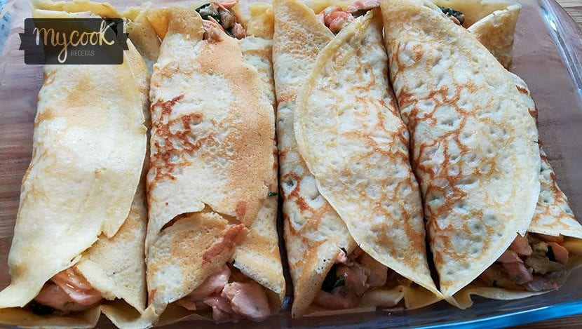 crepes-de-salmon-langostinos-y-espinacas
