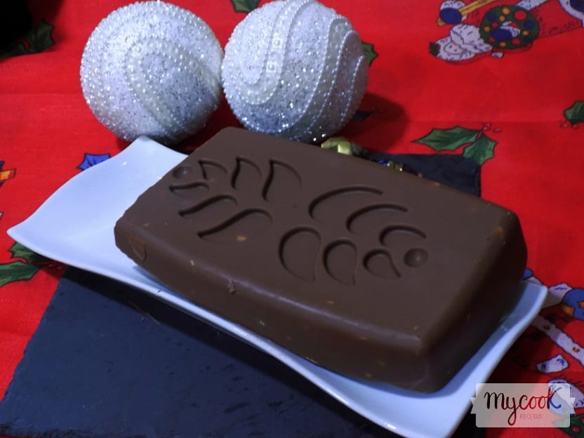 turron de chocolate y almendras