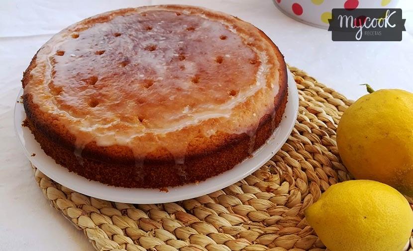bizcocho de limón glaseado
