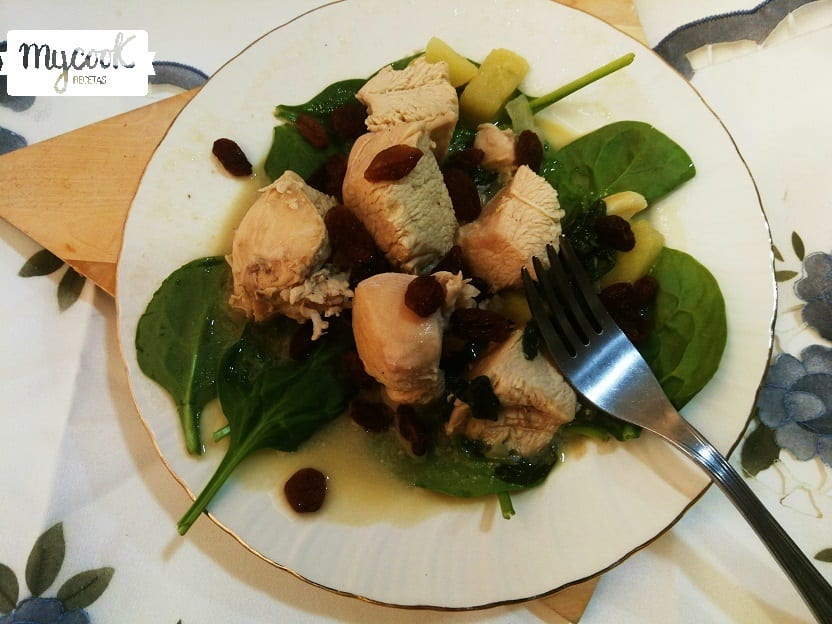 Pollo con espinacas, manzana y pasas con Mycook
