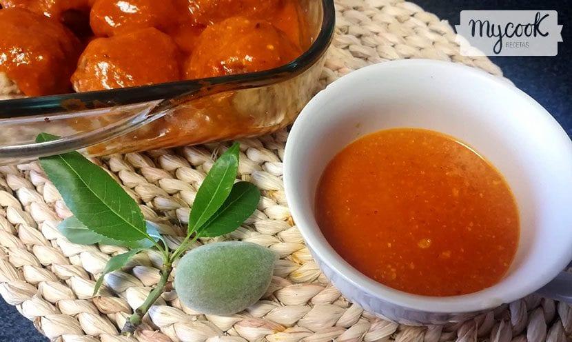 salsa de tomate y frutos secos