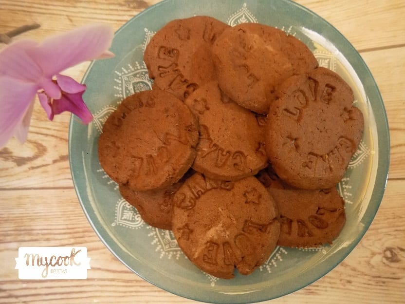 Galletas danesas de mantequilla y chocolate con Mycook