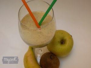 Smothie de kiwi,manzana y plátano