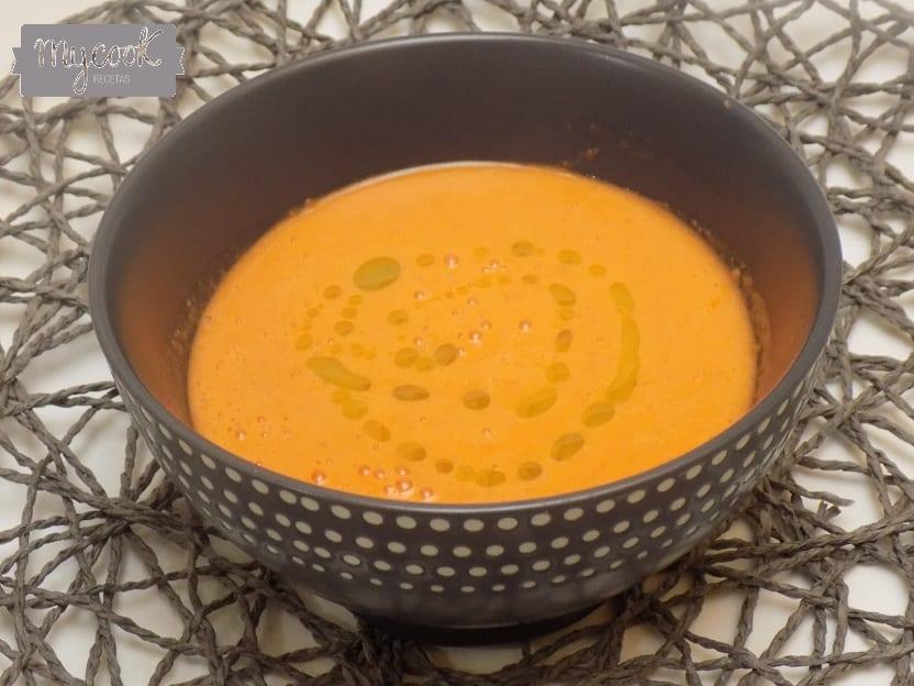 Sopa de sandía y tomate con Mycook