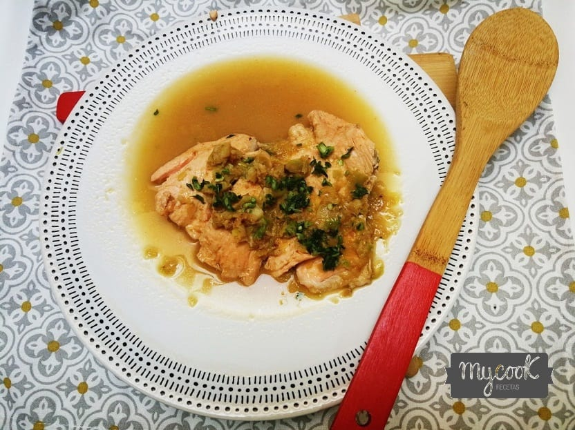 Salmón en salsa de langostinos con Mycook
