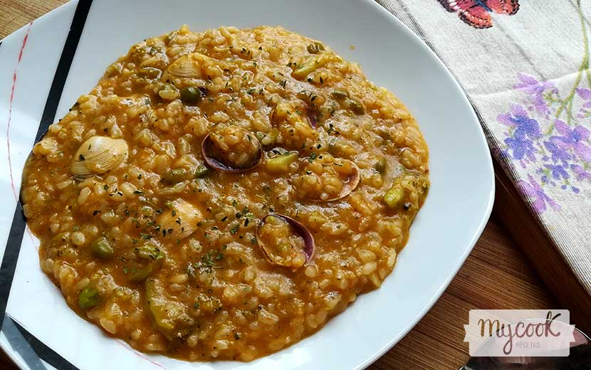 arroz con verduras y almejas