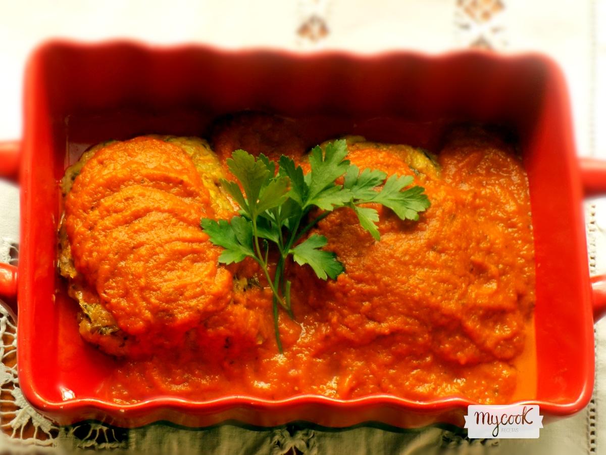 Pastelitos de calabacín con tomate