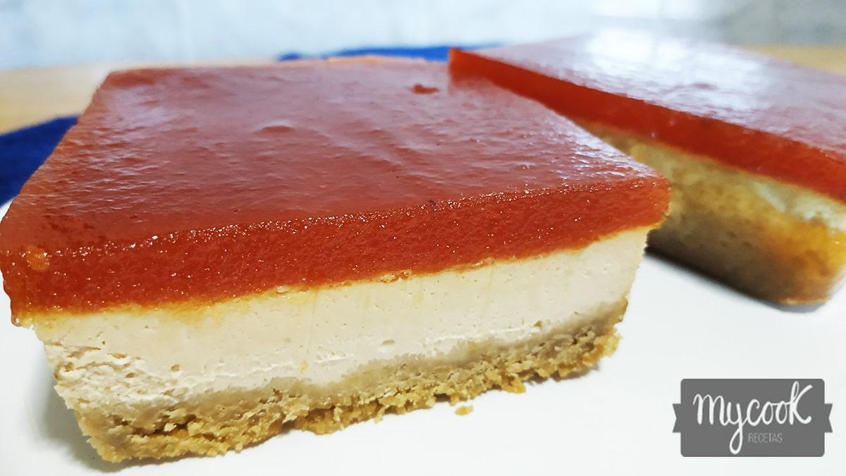 Tarta de queso y foié con mermelada de tomate