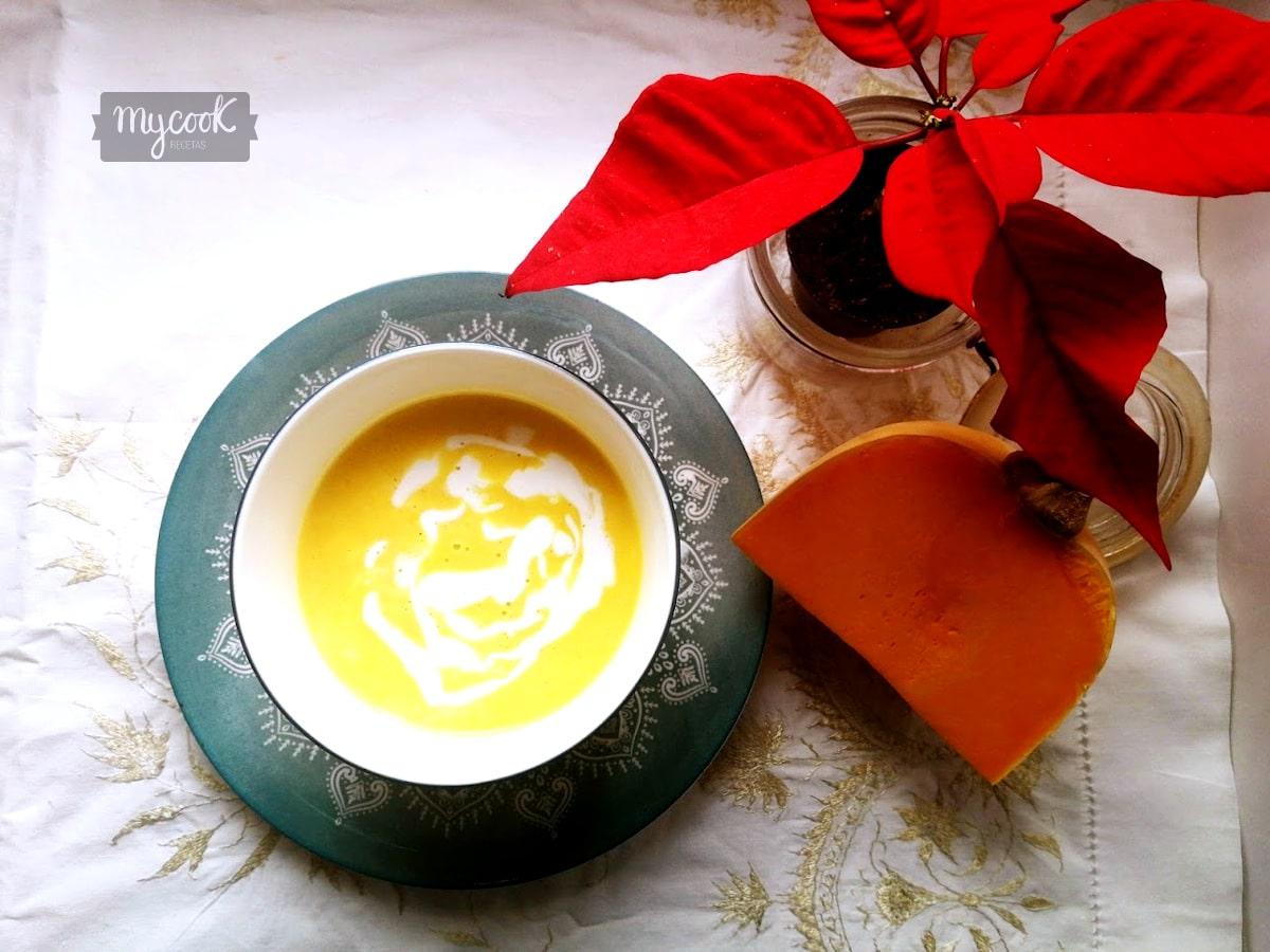 Crema de calabaza,leche de coco y curry