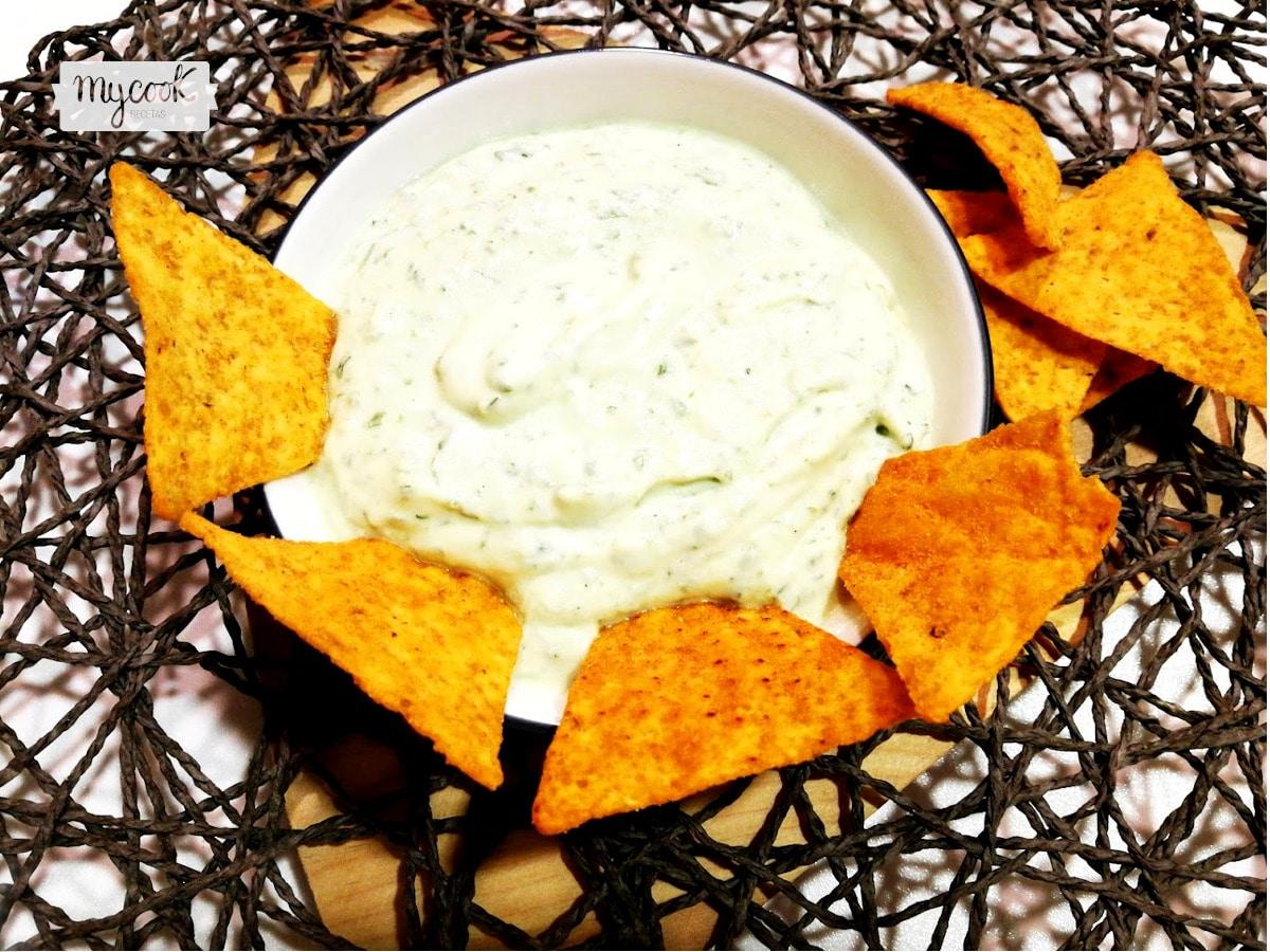 Salsa dip de queso requesón