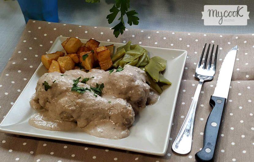 muslitos de pollo con salsa de frutos secos
