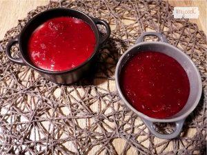 Panacota con mermelada de frutos rojos