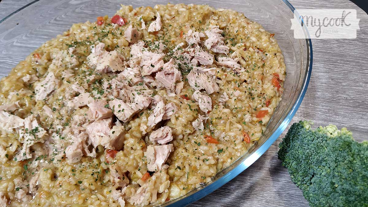 arroz-con-brocoli-pimiento-y-atún