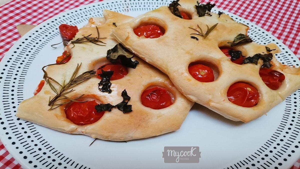 Focaccia de tomates cherry