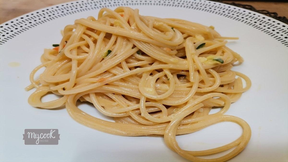 Espaguettis en salsa carbonara vegetal