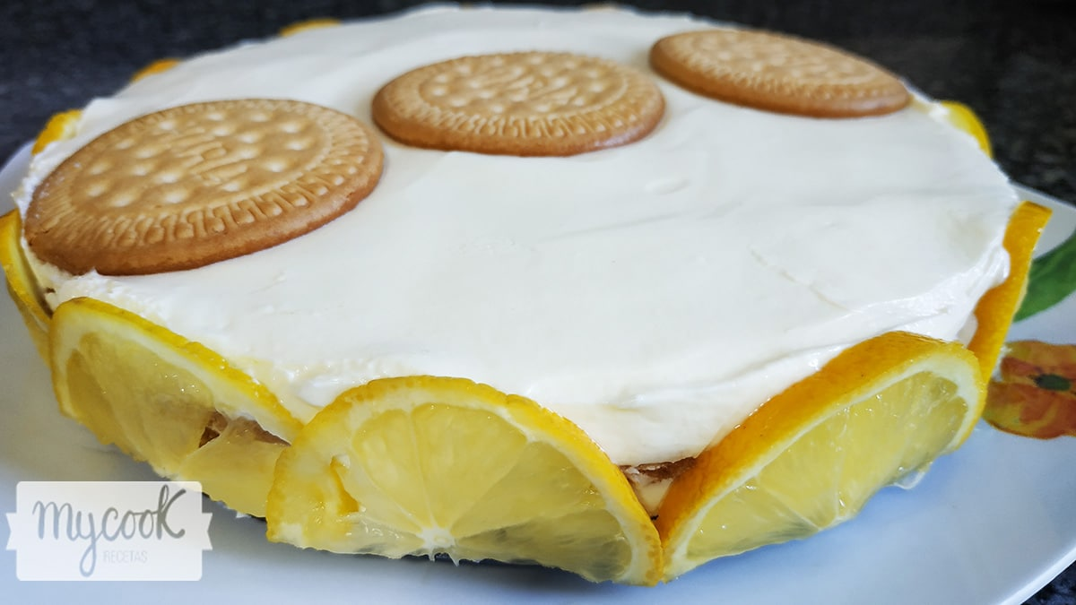 Pastel de limón y galletas